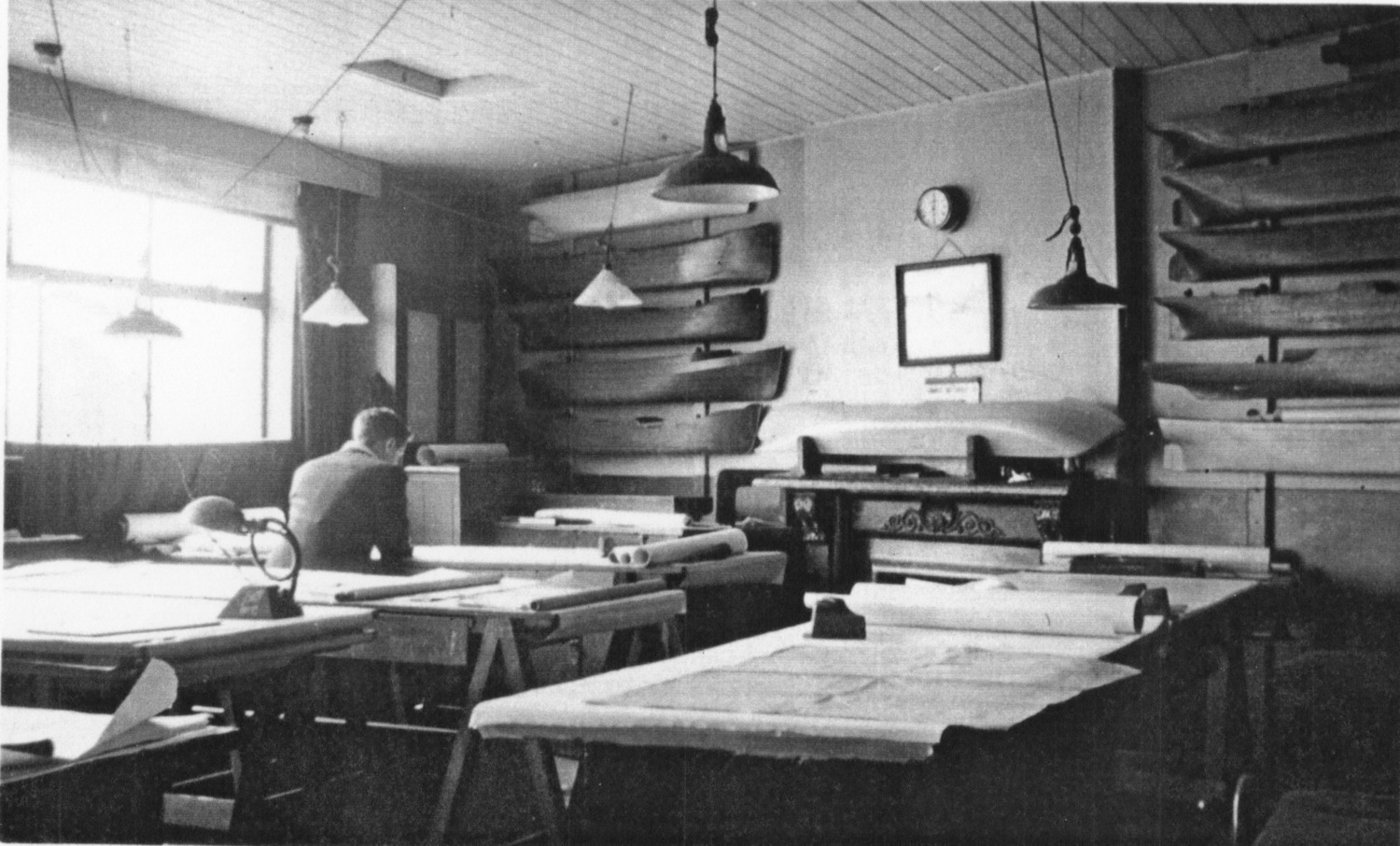 The drawing office at John Crown & Sons during WW11. Photograph with kind permission of Mr H. Oxman.jpg