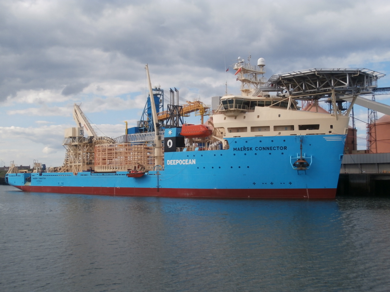 maersk connector alcan 1.JPG