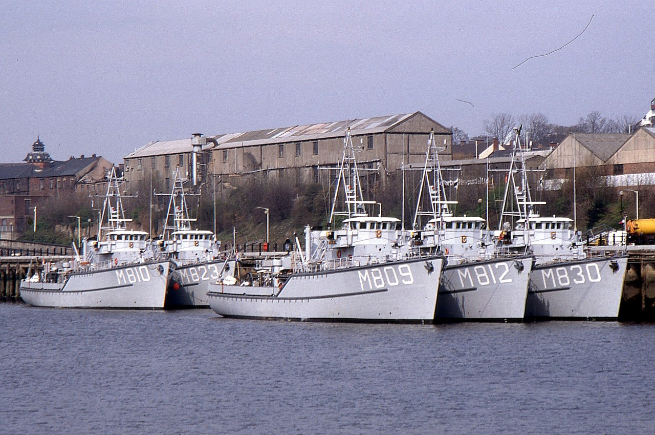 NATO SHIPS  ON THE TYNE 270393a.jpg