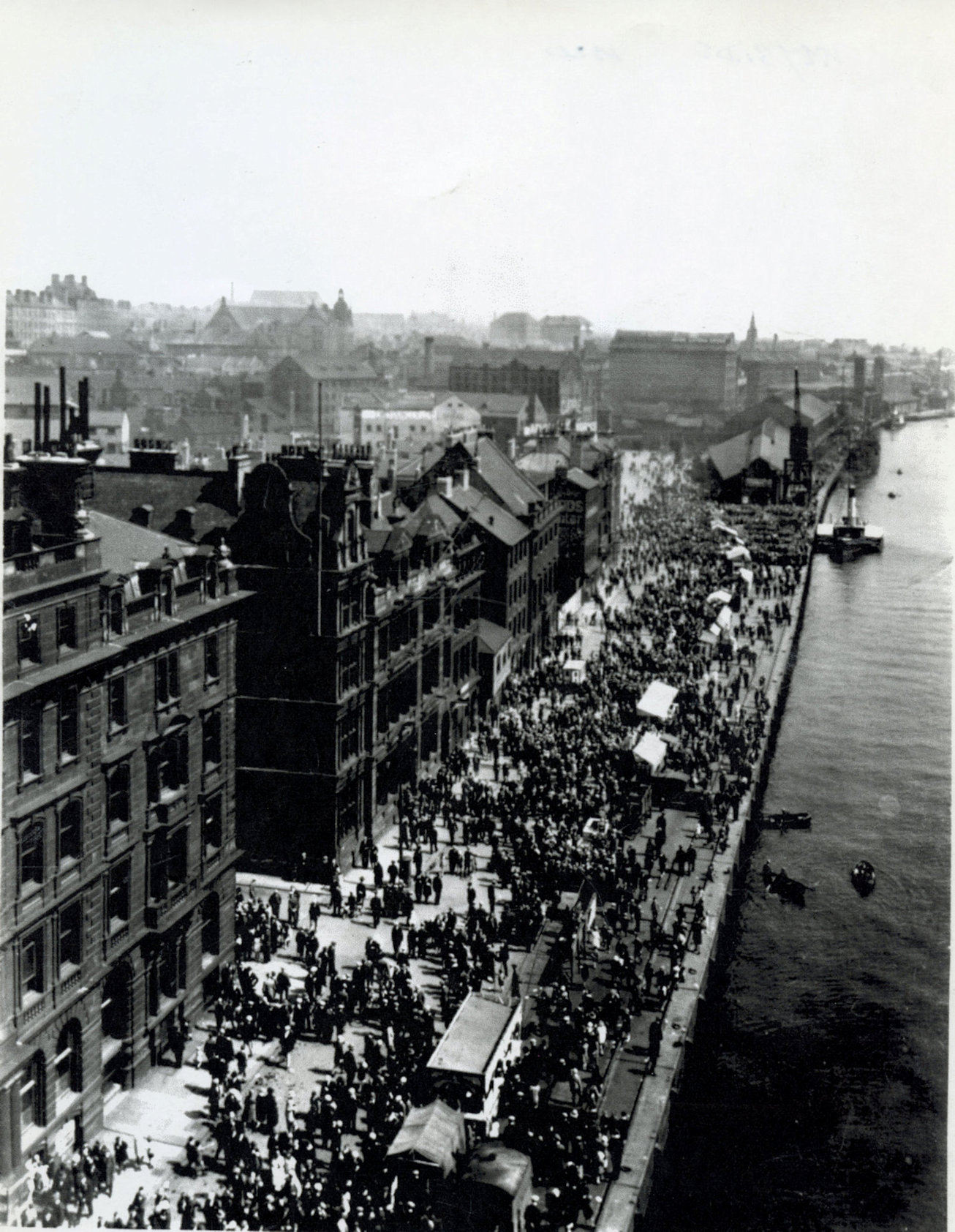 Newcastle Quayside 1920 - Copy.jpg