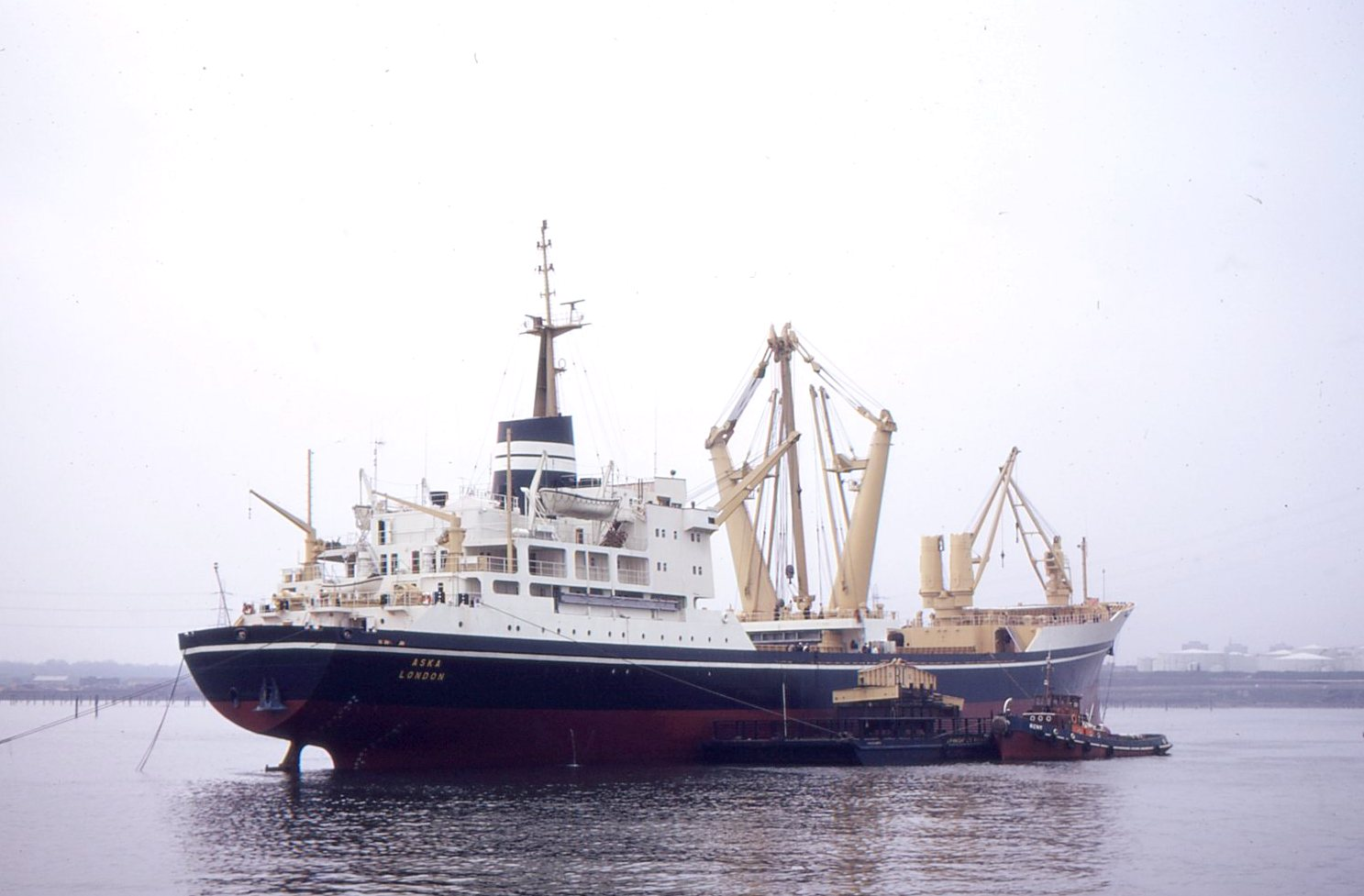 Aska and Tug Kent Heavy Lift Testing Gear May 1970.jpg