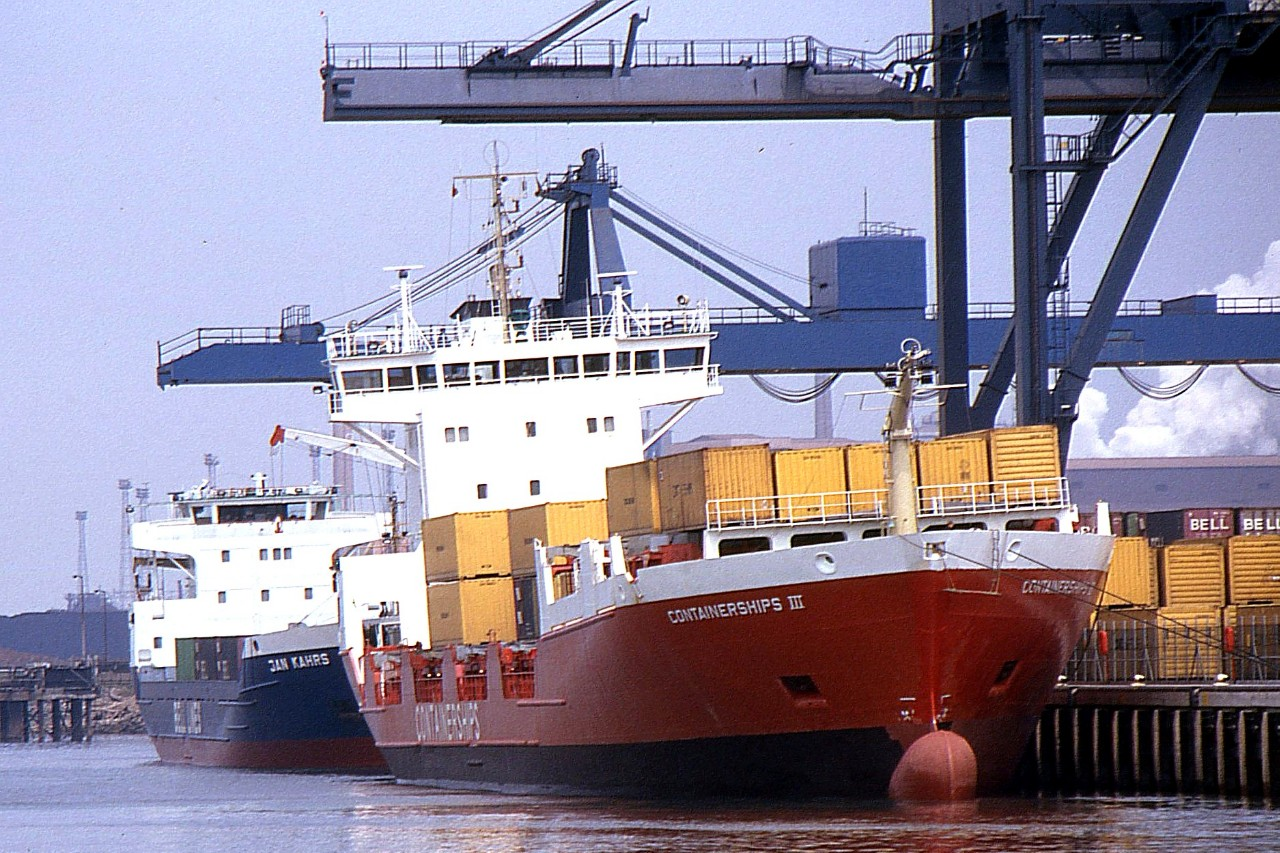 CONTAINERSHIPS III-JAN KARS 090591a.jpg