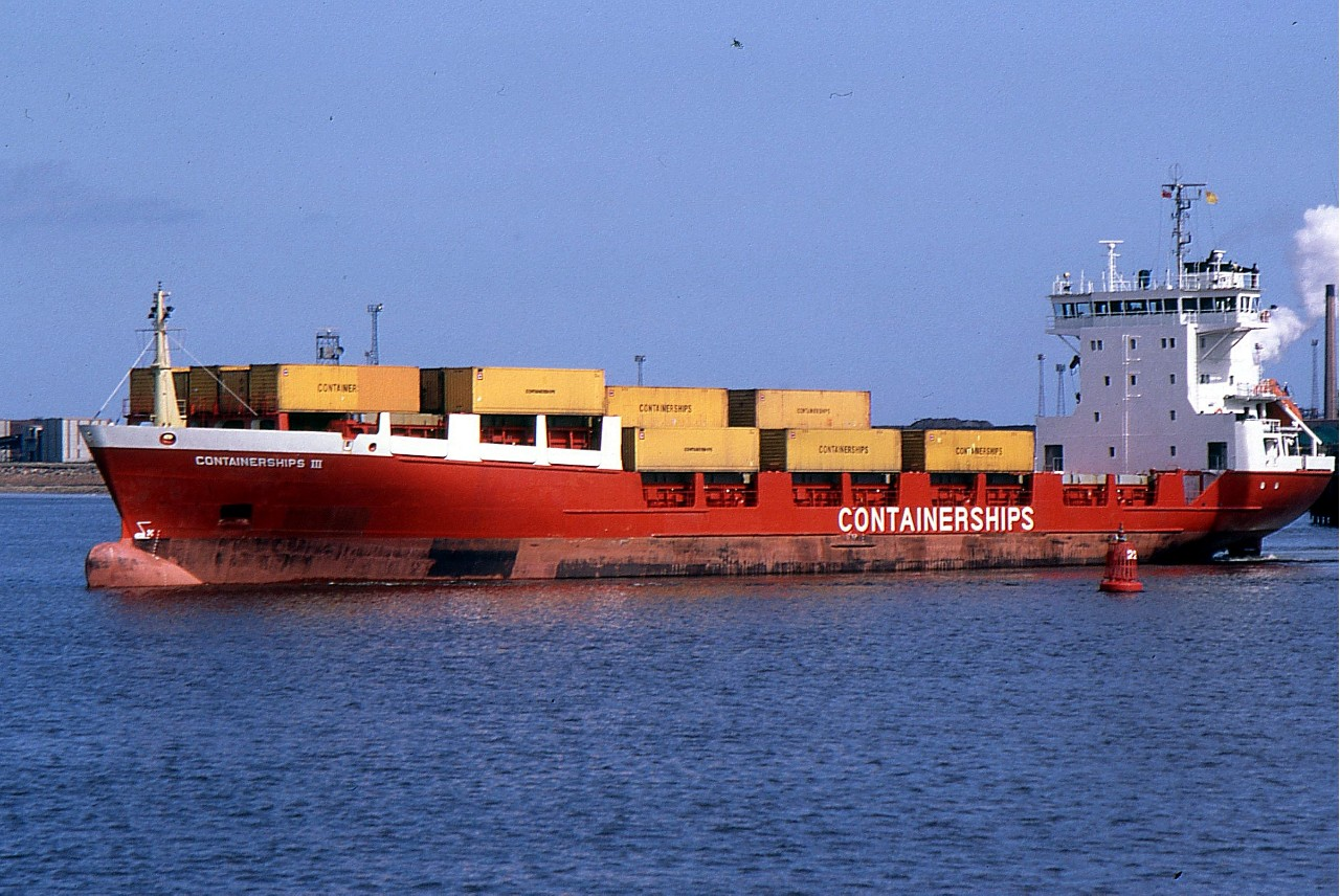 CONTAINERSHIPS III 190492a.jpg