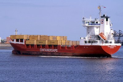 CONTAINERSHIPS III 190492b.jpg